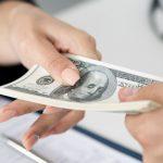 ¿Pedir a un banco o a un inversor?